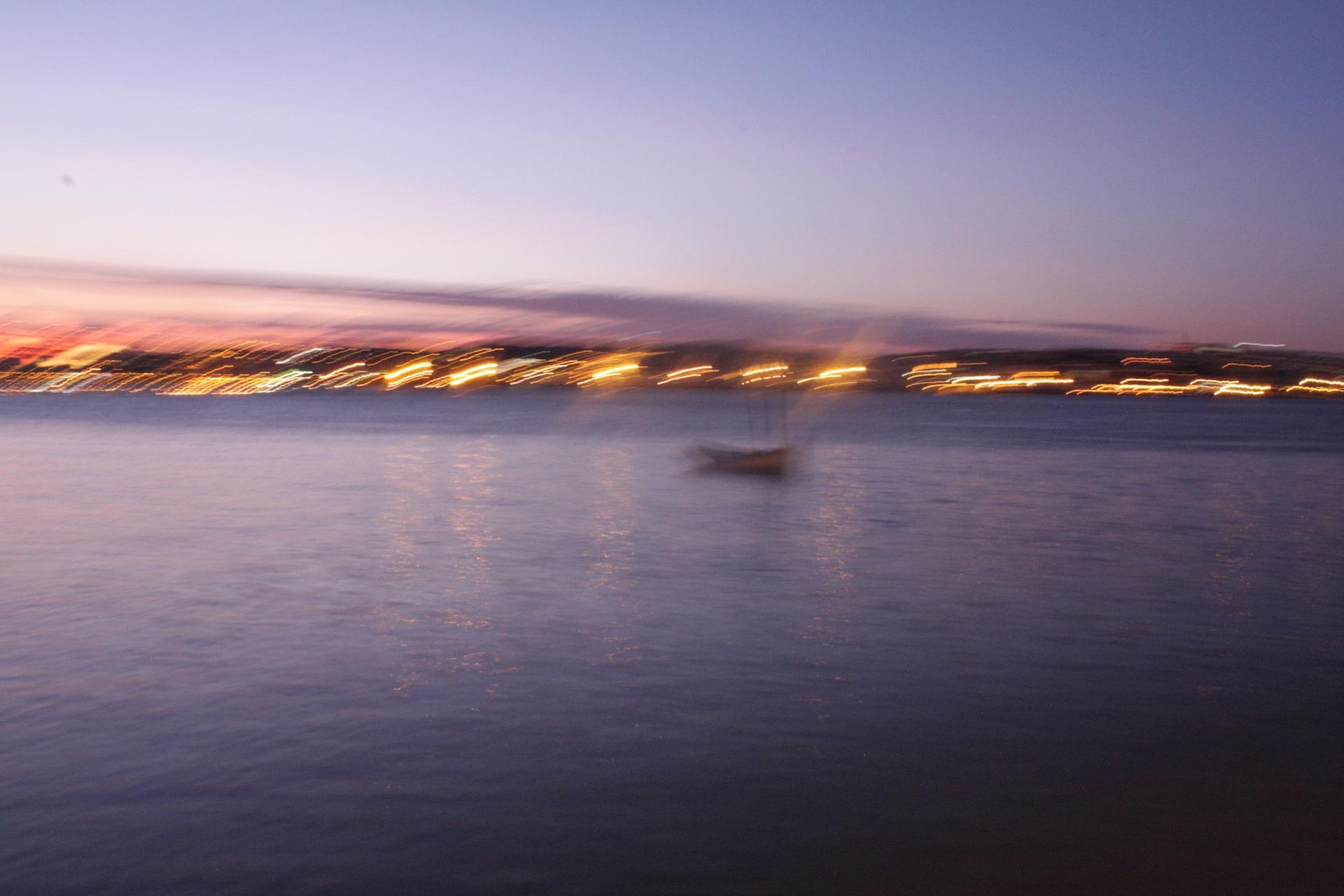 Entre Ciel et Terre _ 2- La barque lumineuse - Blandine Armand - série photos
